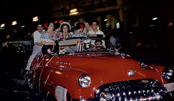 Конец 1950х - красивая жизнь для американских туристов и богатых кубинцев