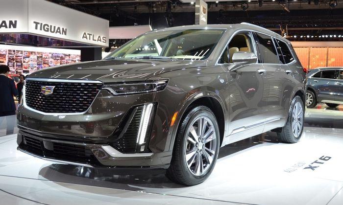 2020 Cadillac XT6 на автосалоне в Детройте