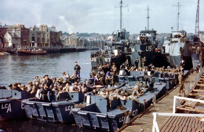 Американские рейнджеры на борту британских десантных катеров