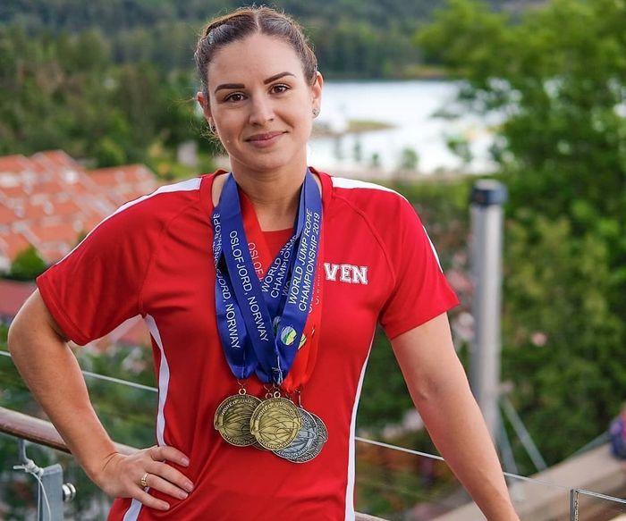 Eilea Given установила новый мировой рекорд по прыжкам на скакалке