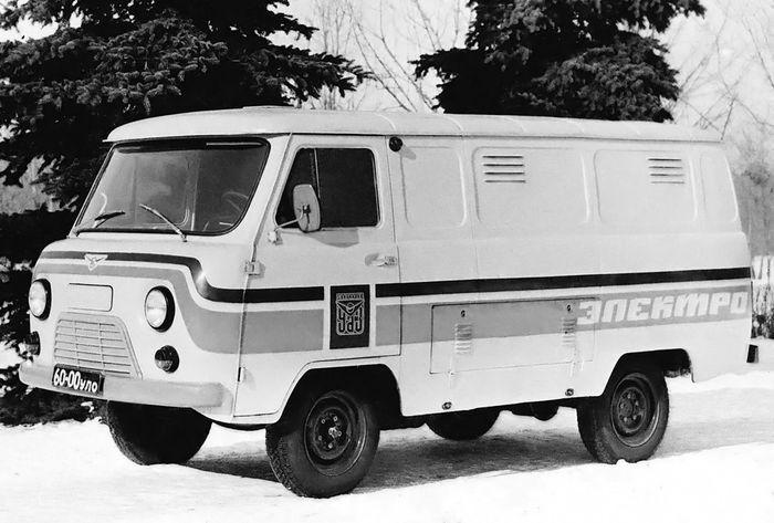 Советский электромобиль УАЗ-3801