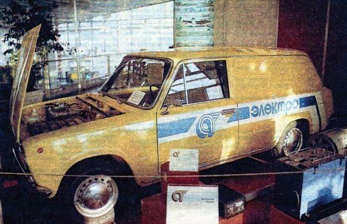 Электромобиль ВАЗ-2801 на выставке Автопром СССР 84
