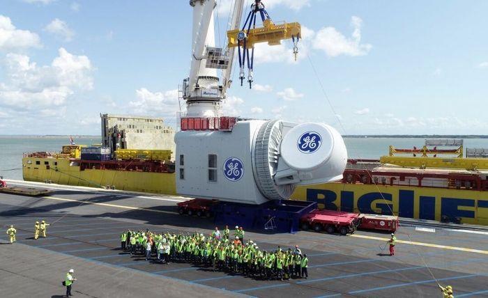 Подготовка к погрузке турбины Haliade-X 12 MW на корабль