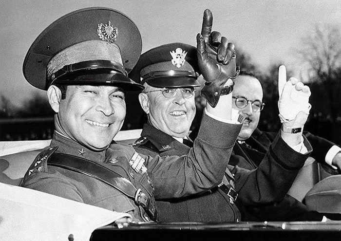1938 год, кубинский правитель Батиста с начальником штаба армии США