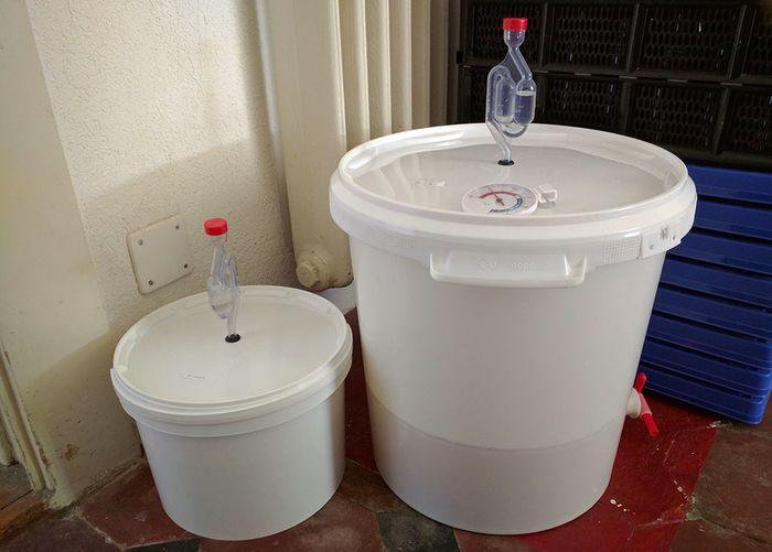 Емкости с гидрозатвором для брожения