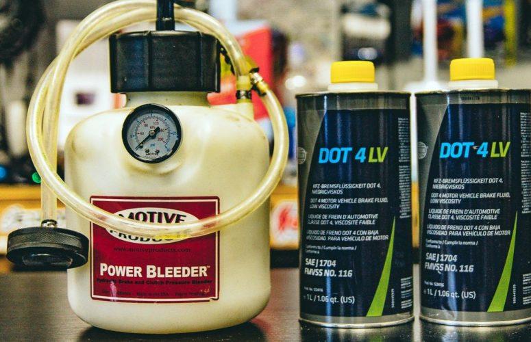 Как отличить хорошую тормозную жидкость от подделок?