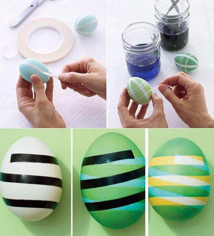 Красим яйца полосками с помощью малярного скотча или изоленты