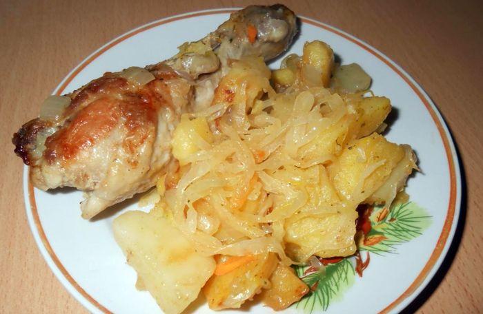 Рецепт тушеной квашеной капусты с картошкой и курицей