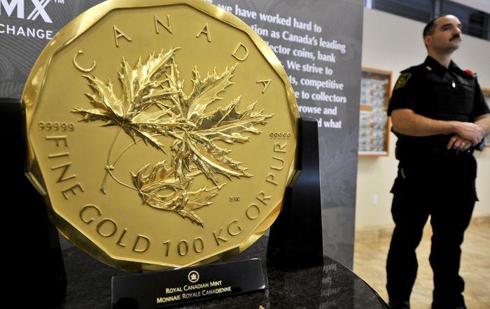 Канадская золотая монета весом 100 кг