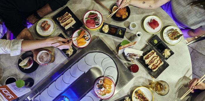 Кайтэн-дзуси - конвейерный суши-бар из Японии