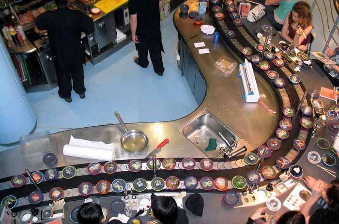 суши бар москва конвейер