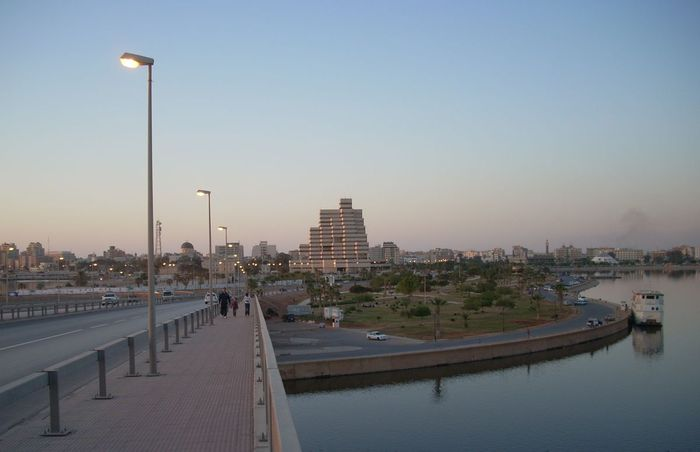 Мост в порту Бенгази, Ливия