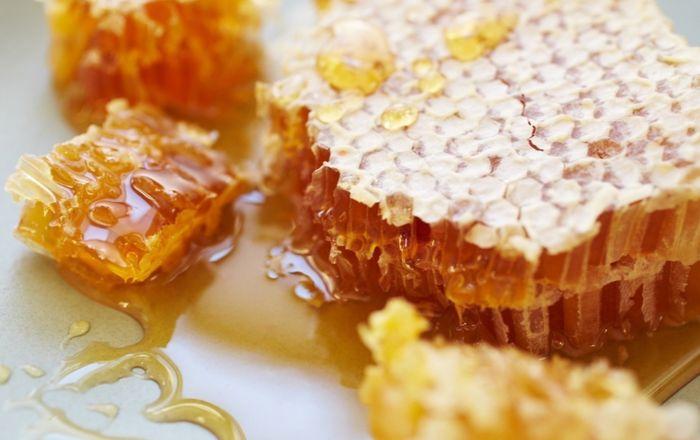 Натуральный пчелиный мёд в сотах