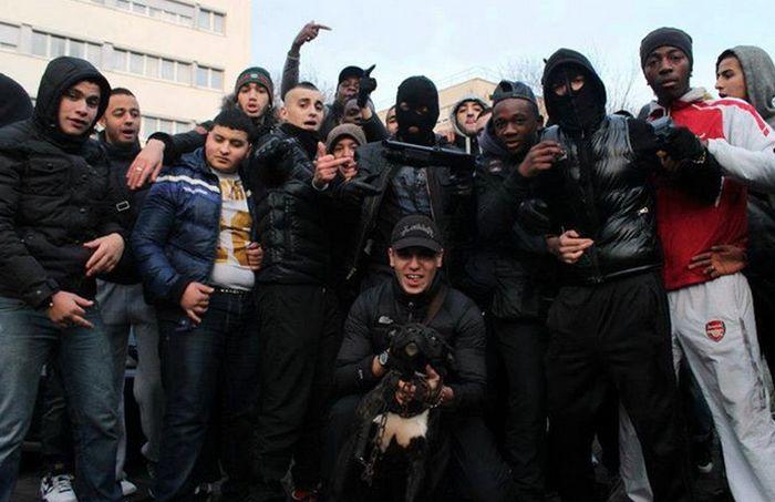 Ракаи (Racaille) - гопники во Франции