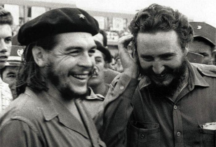 Че Гевара и Фидель Кастро - главные кубинские революционеры