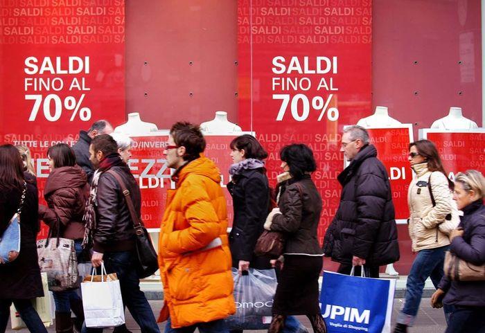 Sconti и Saldi - сезонные распродажи в Риме