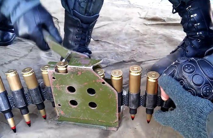 Снаряжение пулеметной ленты для КПВ (КПВТ) 14,5 мм
