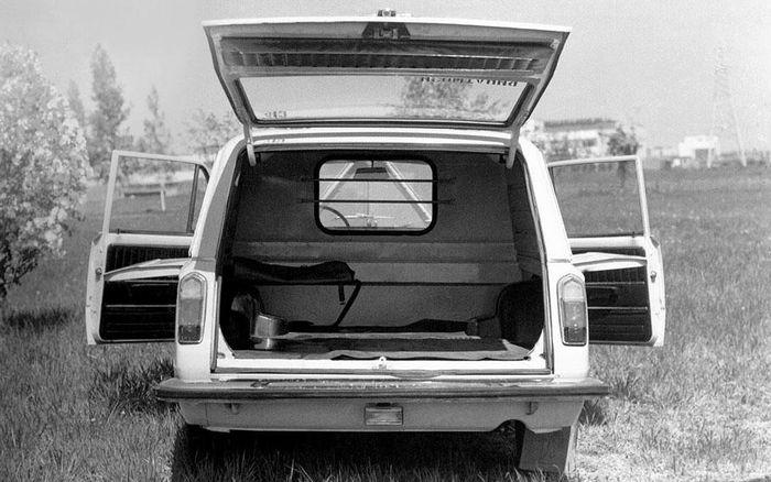 Электромобиль ВАЗ-2801, вид сзади