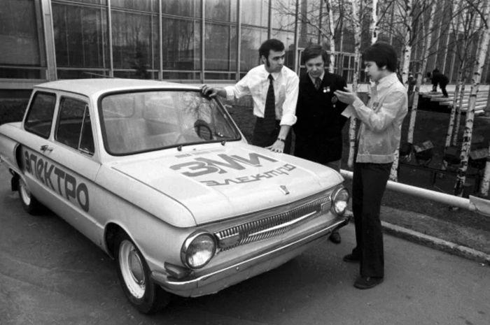 Советский электромобиль ЗАЗ-968 ЗМИ Электро
