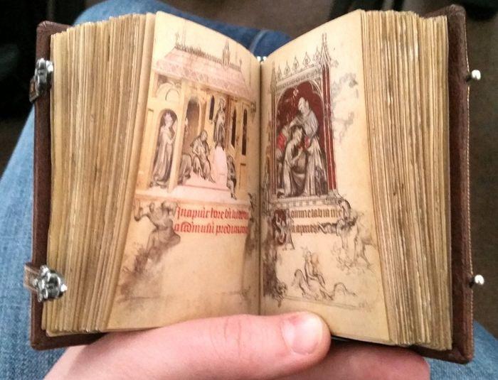 Средневековые миниатюрные книги