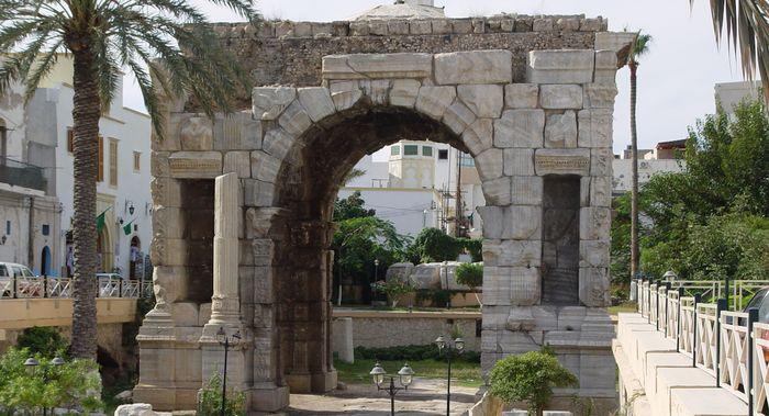 Триумфальная арка римского императора Марка Аврелия в Триполи