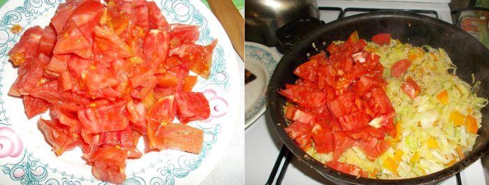 Режем помидоры и добавляем их к капусте