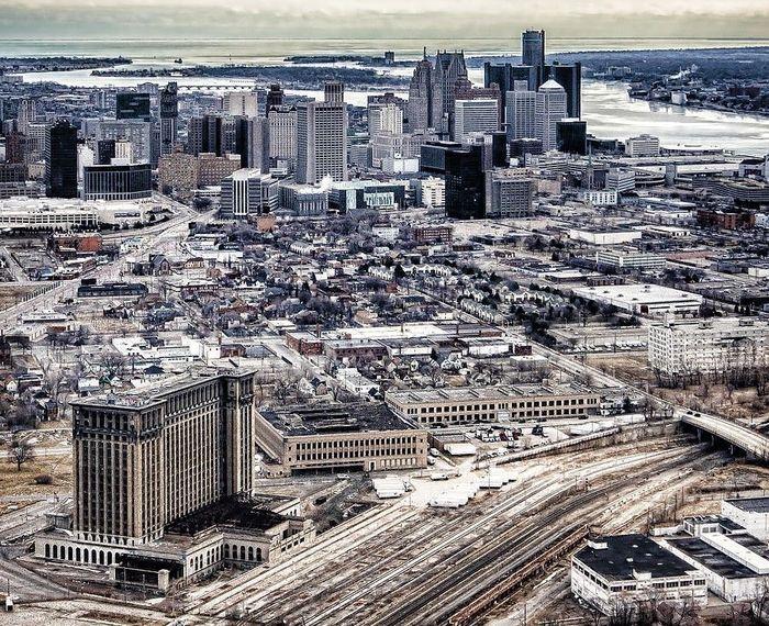 Брошенная Центральная ж/д станция Детройта