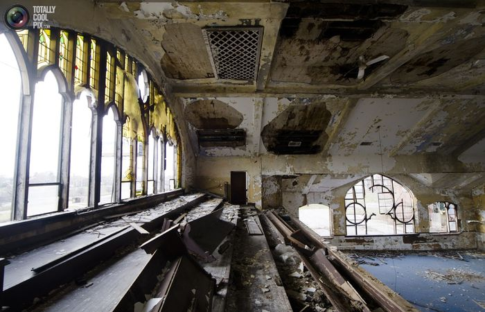 Заброшенная церковь в Детройте
