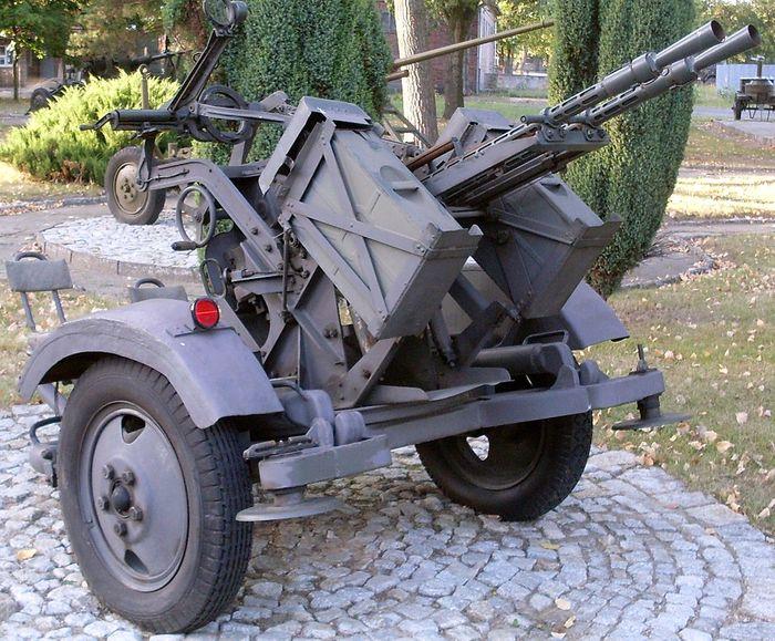 ЗПУ-2 - советская спаренная зенитная пулемётная установка 14,5 мм